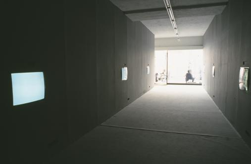 Exhibition view, Thomas Eller, 2001