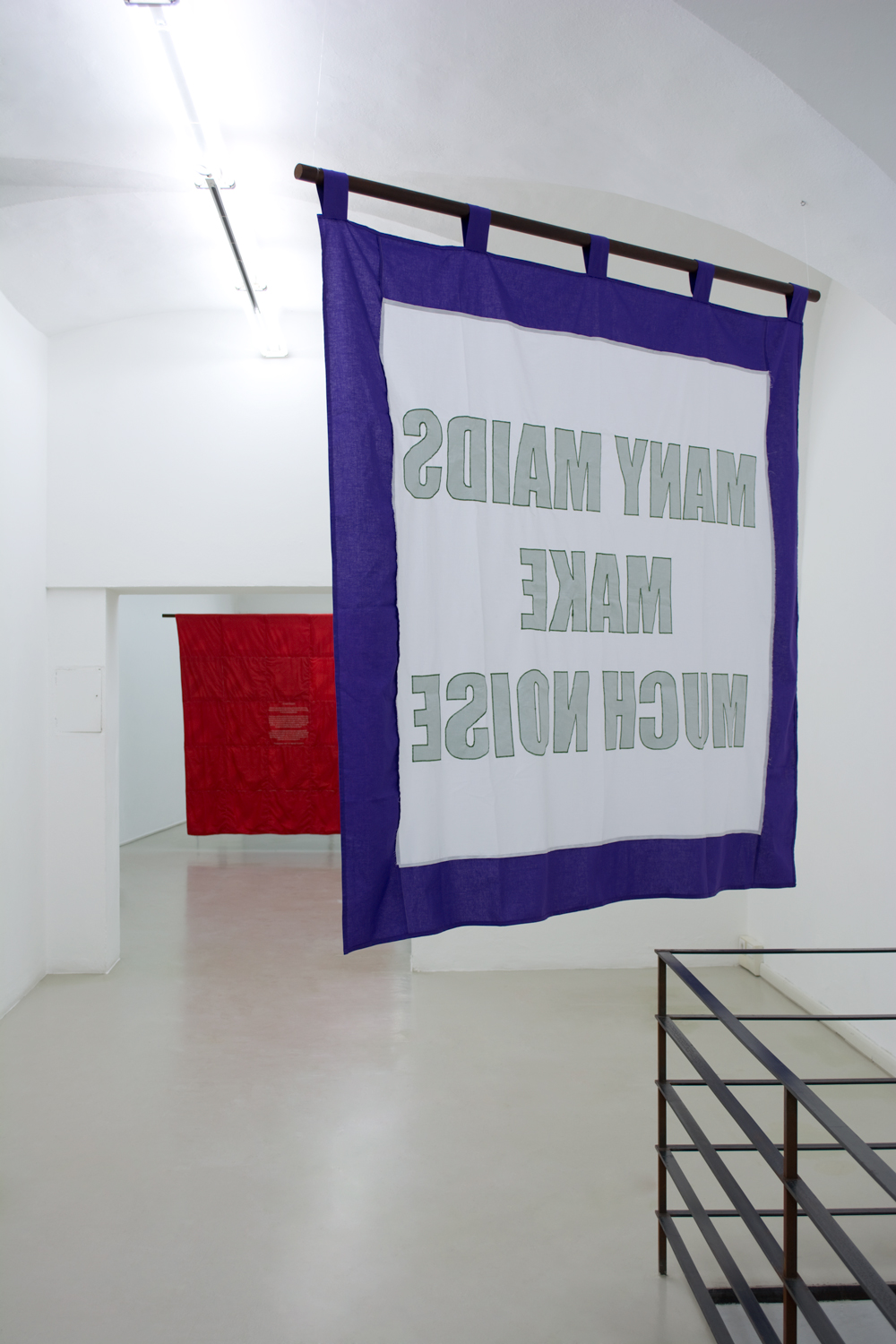 Olivia Plender, Many Maids Make Much Noise, Exhibition view at ar/ge kunst Bolzano, Foto aneres,2015